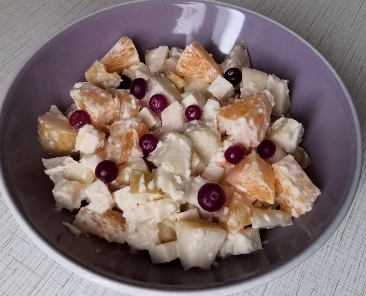 салат с мочеными яблоками и апельсином
